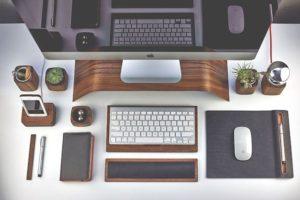 【2020螢幕架推薦】8個桌上型螢幕架精選,讓你輕鬆整理辦公桌面超整齊!